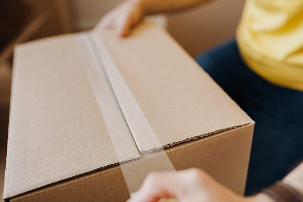 Embalagem ou caixa de encomenda online